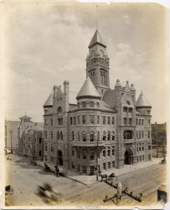 This 1908 postcard image shows the old city hall (now the historical museum) as it originally stood, with no clocks in its iconic tower. Though built in 1892, the building had to wait until 1917 to be finished as it was planned by architects Proudfoot & Bird.